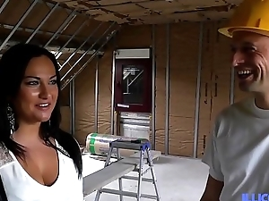 Eva se fait baiser sur le chantier [Full Video]