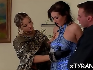 Dude gets ass fucked with belt on during sexy fedom action