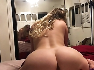 Hot Stripper wakes roommate to roger after work