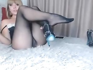 model touch pussy and see feet in seamless pantyhose
