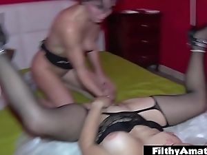 Threesome with anal coupled with a watch debut of Milf'_s pussy!