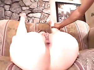 Horny bitch Agree gets her ass rammed then squirts cumload on a plate