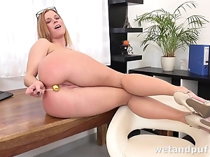 Towheaded sweetie uses sex toys to make yourselves cum
